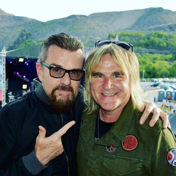 billy duffy mike peters photo mick peek » coloursøund » Rock and Roll Blog